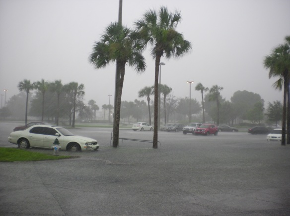 Orlando shopping mall flash flood