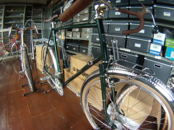 Vintage bicycle shop in Kyoto, Grand Bois 650b