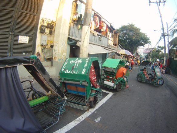 Rickshaws waiting passengers