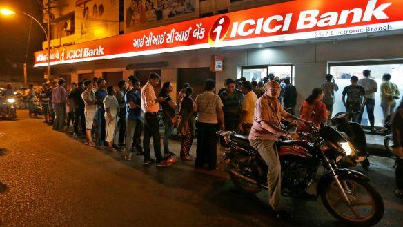 india-atm-queue